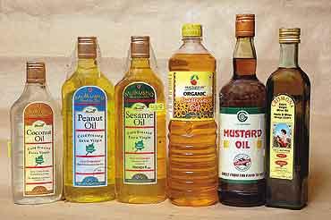 health_food_oils_20050516.jpg